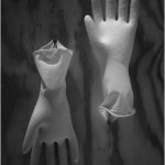 Guantes, 2015, 31.4 x 22.4 in (80 x 57 cm)