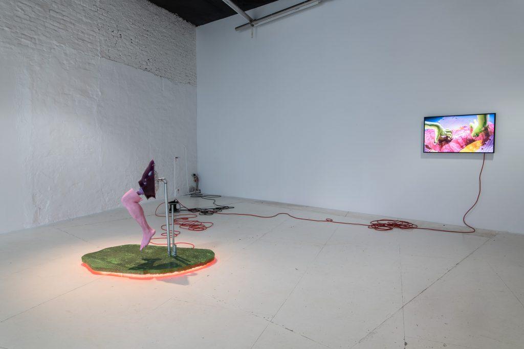 installation by Malte Bruns at wildpalms in Düsseldorf